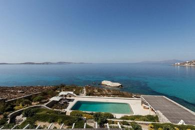 Seaside luxury villa for sale in Mykonos, Aleomandra