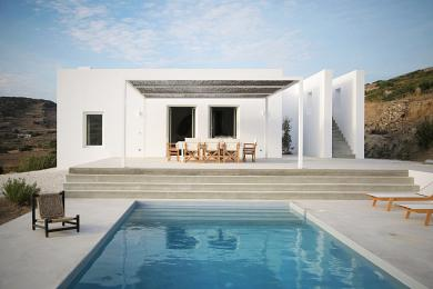 Elegant villa for rent in Paros, Greece - 6 guests