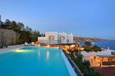 Luxury villa for rent in Mykonos, Greece - 10 guests